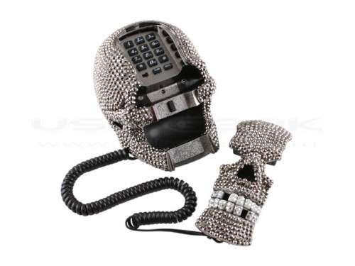 diamondskullphone3-500x375
