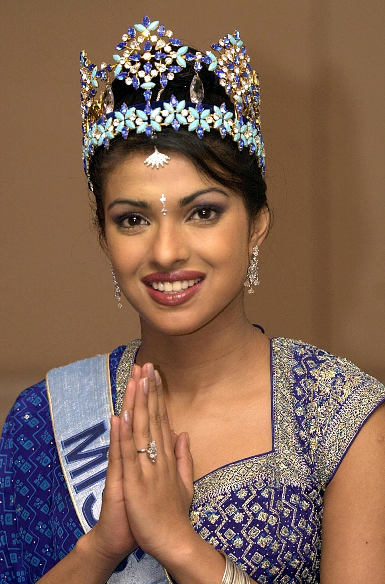 Priyanka Chopra As Miss World | Foto Bugil Bokep 2017