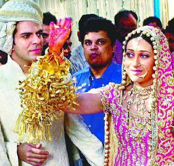 Image result for karisma kapoor wedding