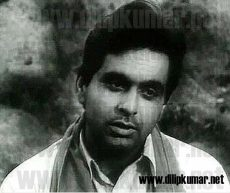 A rare vintage photo of tragedy king Dilip Kumar in a sad mood