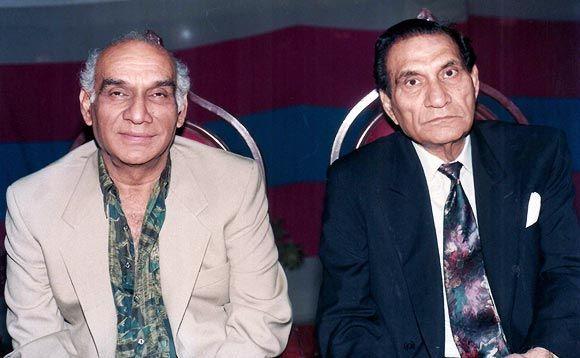 bollywood-ke-kisse-saleem-khan-was-the-reason-behind-downfall-of-rajesh-khannas-stardom-and-make-amitabh-bachchan-the-superstar