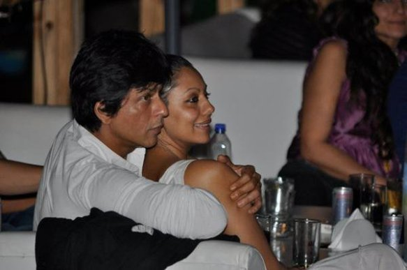 Image result for shahrukh gauri candid