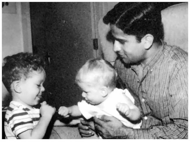 QoolGemFun: Shashi Kapoor with wife Jennifer Kendal and kids