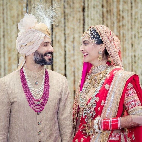 Image result for sonam kapoor anil kapoor wedding