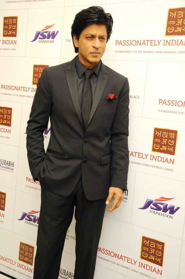 Black On Black ~ Shah Rukh Khan Shows You How — The Purple Window