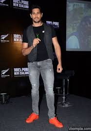 Image result for sidharth malhotra jeans