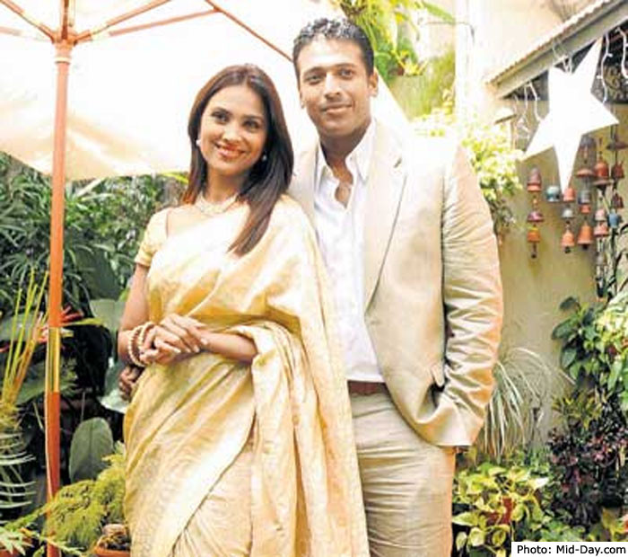 CINEMA GALLERY: Mahesh Bhupathi - Lara Dutta Wedding Photos