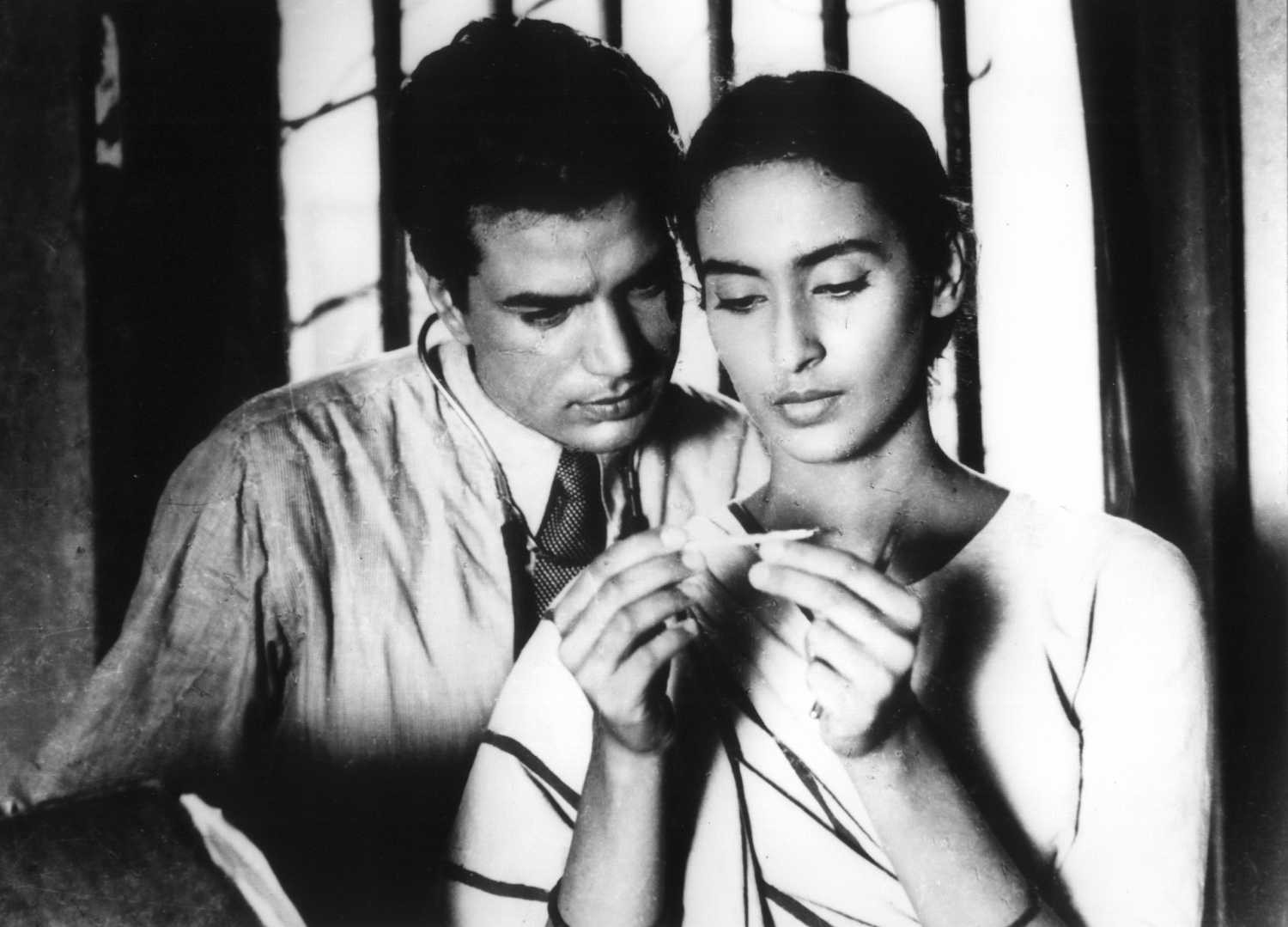 Bandini explores the human conflicts of love and hates intertwined in the  mind of Kalyani (Nutan). | by Bollywoodirect | Medium